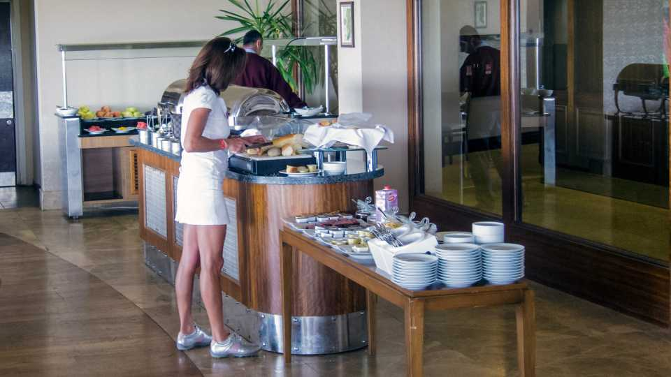 Free breakfast, cooked to order or buffet style, is included with your greenfee.