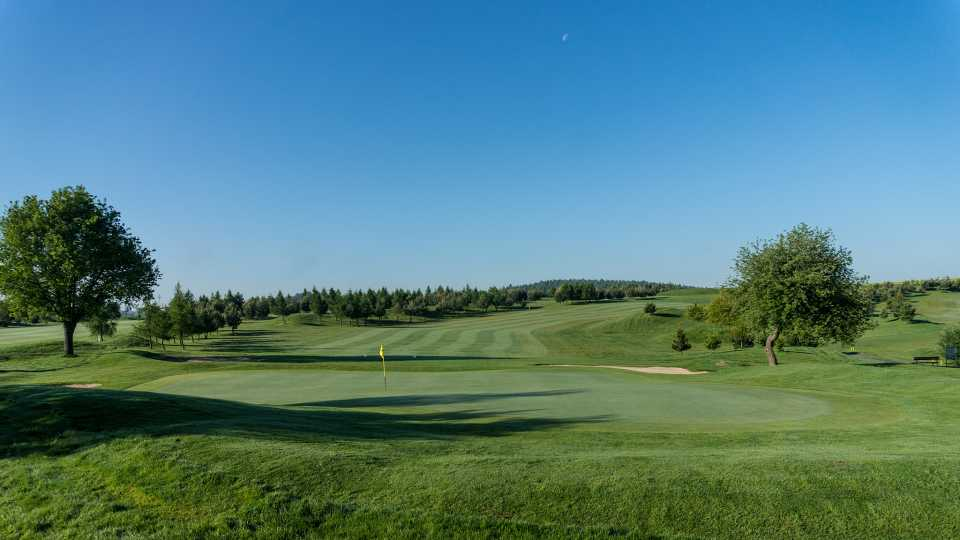 Many holes on D'Este course are wide open, with stunning views.