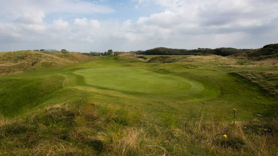 The opening hole at Burnham & Berrow.
